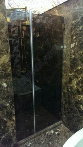 Shower Screen Sofia With Designers Mat  Black Glass